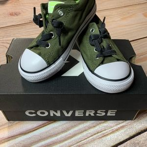 New in box green converse sneaker size 9